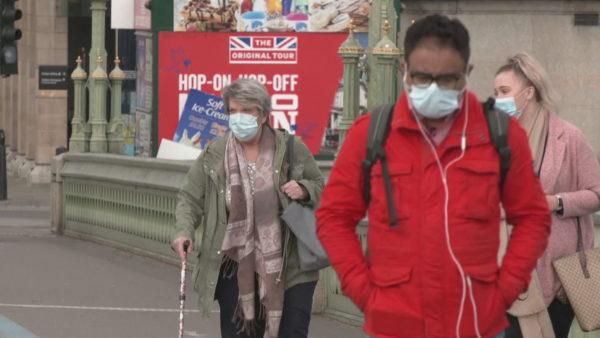 Britania po lë pas krahëve pandeminë: S'do të ketë më izolim, dozë e tretë për moshën mbi 50 vjeç