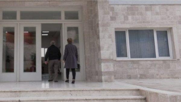 Kërcënohet për shkak të detyrës nënkryetari i Bashkisë së Krujës