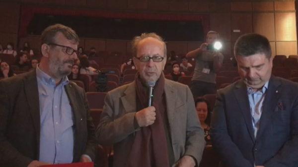 """Poezi rrugës me Timo Fllokon, Kadare shpallet """"Qytetar Nderi"""" i Fierit"""