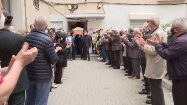 Lamtumira e fundit, përcillet mes duartrokitjeve aktori Guljelm Radoja