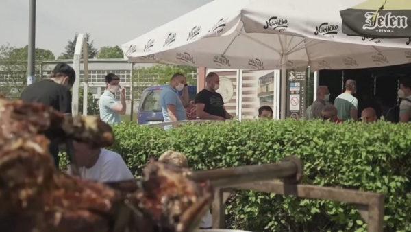 Restoranti në Serbi, ushqim falas për personat që vaksinohen