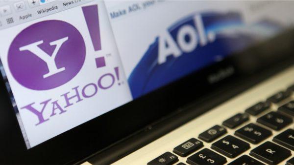 """Fundi i një epoke për """"pionierët"""" e internetit, shiten kompanitë Yahoo dhe AOL"""