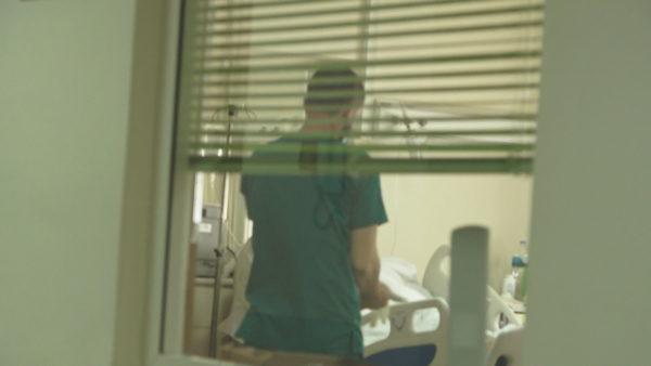 Post-Covidi, rriten infarktet e trurit, shtohen pacientët me probleme neurologjike