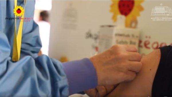 Manastirliu: Nesër mbërrijnë 11 mijë e 700 doza të vaksinës Pfizer
