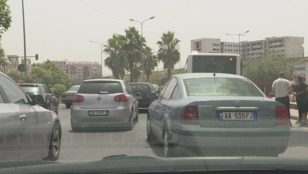 Shkaqet e ndotjes mjedisore: Nga transporti, flota të vjetra dhe trafiku