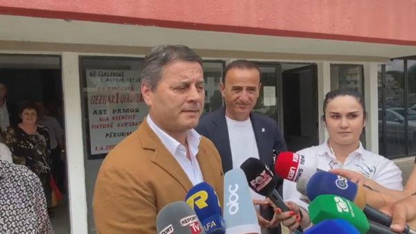 Situata në Shoqatën e Bashkive, organizata e KE-së: Uluni në dialog, mund të ngrijmë statusin e ShBSh