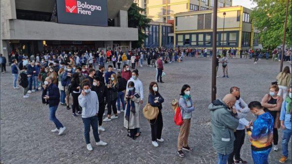 """Incidente në Bolonja, të gjithë """"të çmendur"""" për vaksinën e """"Johnson&Johnson"""""""