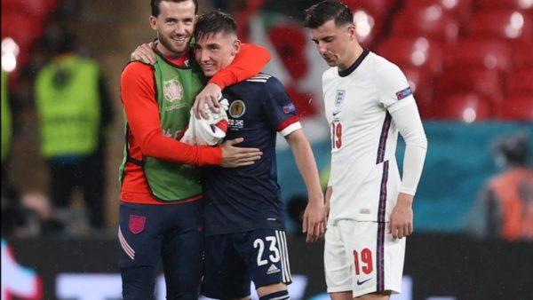 Frika nga Covid, izolohen dy lojtarë të Anglisë
