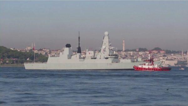 Rusia pretendon se qëlloi me bomba ndaj anijes britanike, Londra mohon incidentin