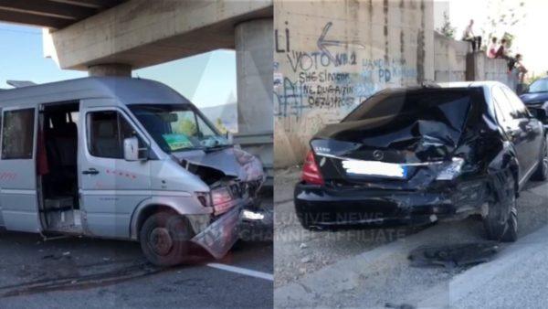 Furgoni me pasagjerë përplaset me Benzin, dy të plagosur