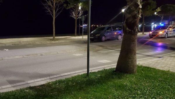Vlorë, makina përplas këmbësoren në vijat e bardha