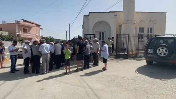 Banorët e fshatrave të Vlorës, protestë për ujin e pijshëm