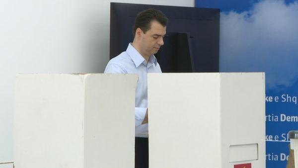 Mandati i tretë i Bashës, analistët: Gara e pabarabartë, PD duhet të reformohet