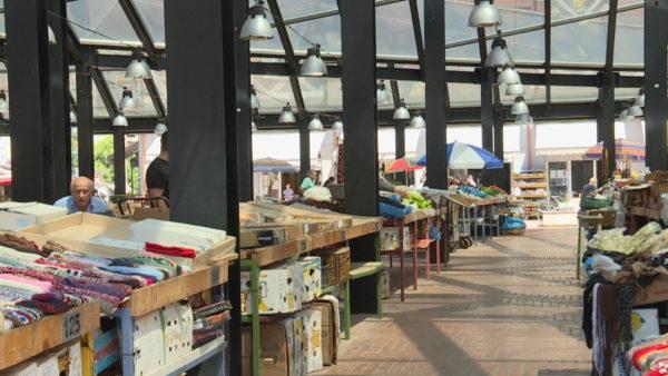 Çmimet e ushqimeve, prodhimet e stinës nuk ulin kostot, ankohen qytetarët