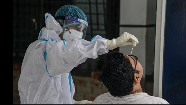 Doktorët indianë japin alarmin: Varianti Delta shkakton gangrenë dhe shurdhim