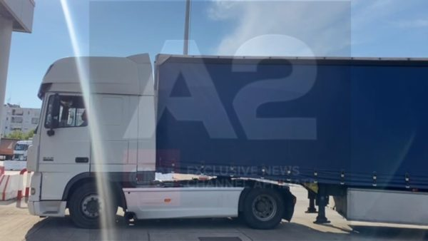 Kapen 300 kg kokainë në portin e Durrësit, arrestohet shoferi i kamionit