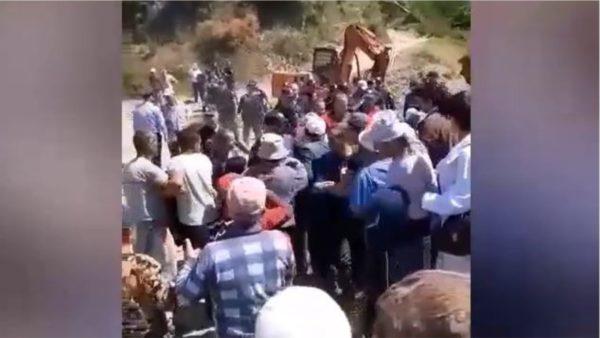 Dy muaj protestë, banorët në Lumas përplasen me policinë për ujin
