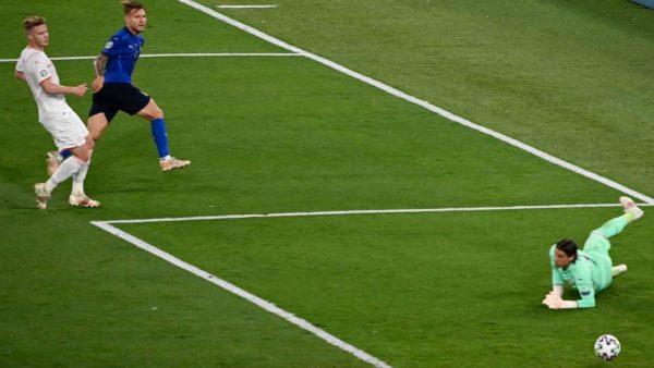 Pas humbjes ndaj Italisë, portieri i Zvicrës largohet nga kombëtarja për arsyen e fortë