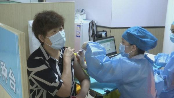 Fushata e imunizimit në Kinë, administrohen rreth 1.4 miliardë vaksina anti-Covid