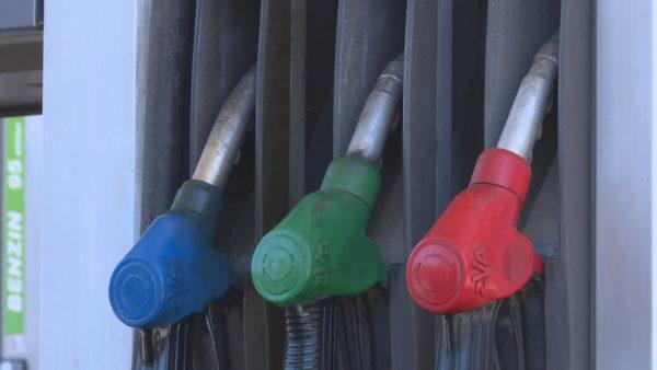 Çmimi i lartë i naftës: 7 taksa të përfshira, disa nuk paguhen në asnjë vend tjetër