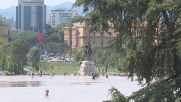 Pasiguria për ekonominë, depozitat e shqiptarëve arritën në 9,2 miliardë euro në maj
