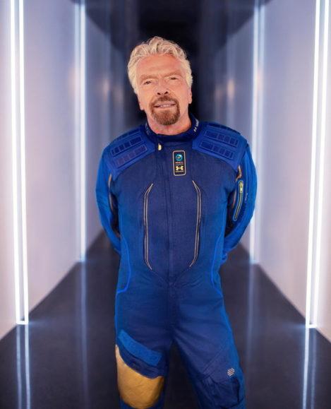 Miliarderi Branson, turisti i parë hapësinor