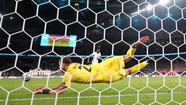 Donnarumma hero, Italia mund Anglinë me penallti dhe shpallet kampion Evrope
