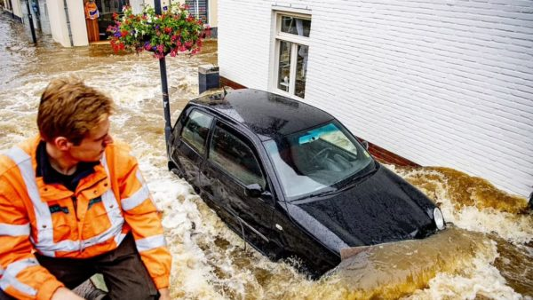 Tragjedi në Gjermani, përmbytjet shkaktojnë mbi 100 viktima, 1300 të zhdukur