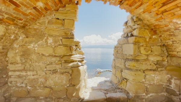 U ndërtua nga Skënderbeu, për të parë kalanë duhet të paguash privatin