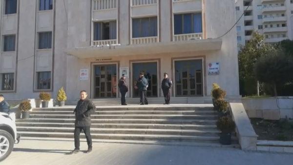 Lushnja drejtohet nga burgu. Kryebashkiaku Tushe ruan mandatin deri në vendimin e gjykatës