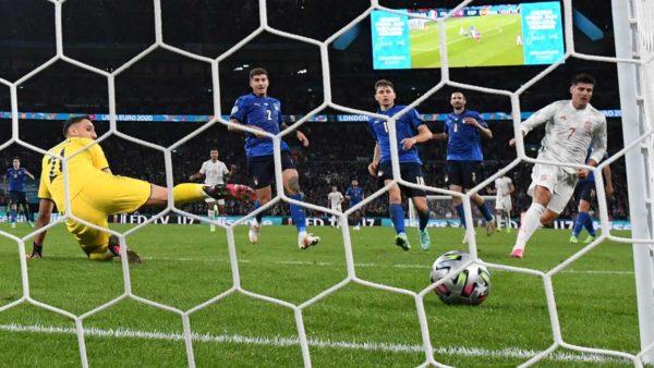 Më i vlerësuari dhe më i dobëti tek Italia, notat e gjysmëfinales së parë