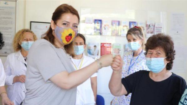 Manastirliu apel qytetarëve: Vaksinohuni për të përballuar variantet e reja të Covid-19