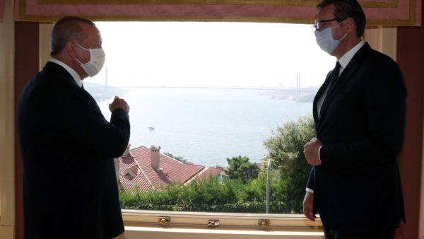 """""""Do të flas me Erdoganin"""", Vuçiç frikësohet nga lobimi i Turqisë për njohjen e Kosovës"""