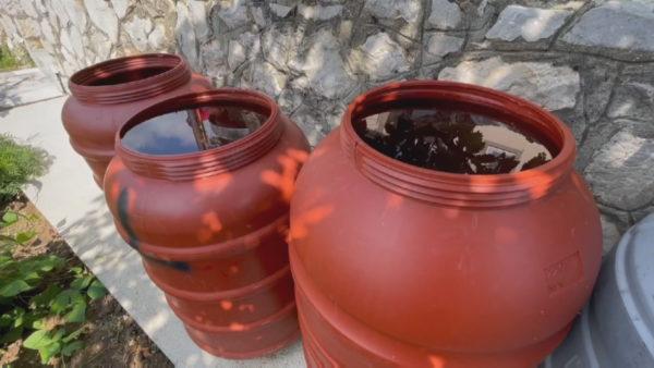 Mbi 30 vite pa ujë të pijshëm dhe pa kanalizime, shpopullohet fshati