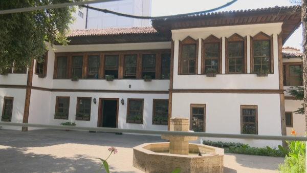 Monumenti i Kulturës: Sarajet, banesa që rrëfen si jetonin feudalët e shekullit XIX