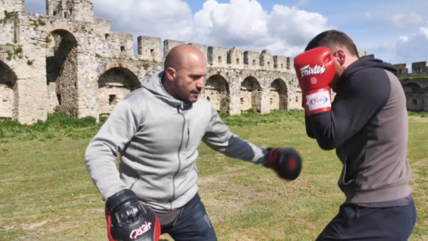 """Eventi i Kickbox """"Duel në themel"""", Kalaja e Bashtovës kthehet në ring për titullin botëror"""