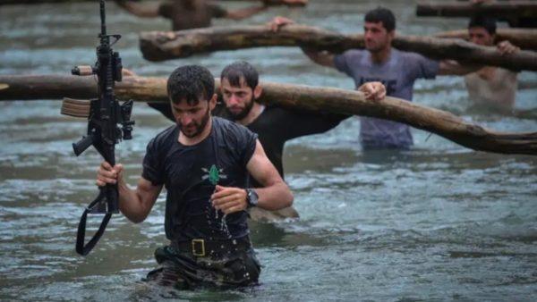 Në pritje të armikut, stërvitja e luftëtarëve në bastionin e fundit të rezistencës afgane