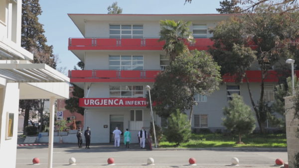 I kishte vjedhur paratë pacientit të vdekur, dënohet infermierja e Infektivit