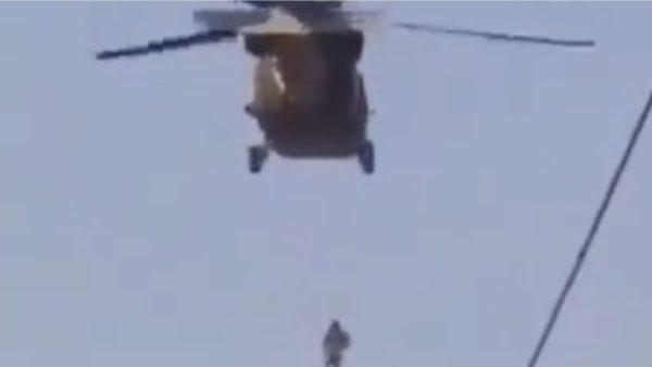 Video horror, talebanët vrasin përkthyesin e amerikanëve dhe e varin në helikopter