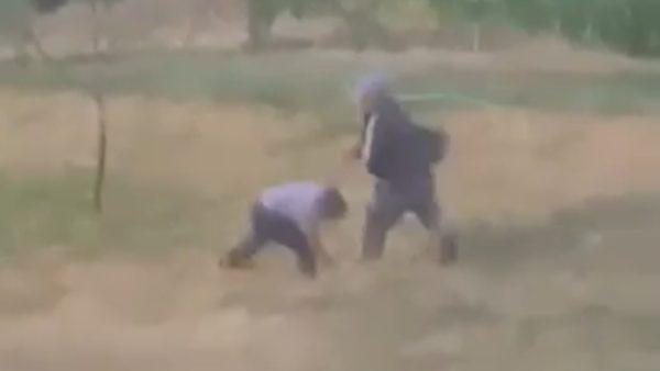 Dhunoi fqinjën me sende të forta, arrestohet 60-vjeçari