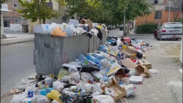 """Mbetjet urbane, """"mal"""" në periferi të Durrësit derisa të lëvrohen fondet"""