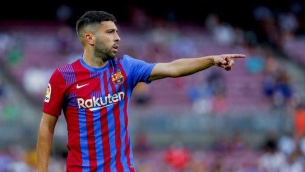 Barcelona, Jordi Alba shkurton 25% të pagës