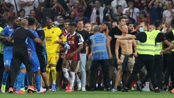 Dhuna në Nice-Marseille, prefektura mbyll tribunën ultras për 4 ndeshje