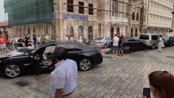E pazakontë në Shkodër, përplasje BMW-Jaguar në pedonale