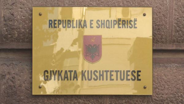 """Bashkëpunimi për Kodin Zgjedhor, herësi në dorë të politikës. KAS, """"në pritje"""" të Berishës"""