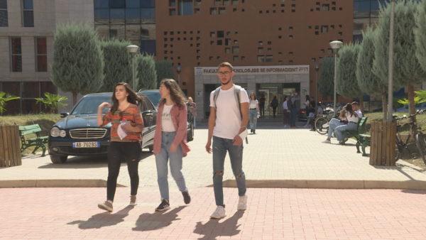Vaksinimi i studentëve, rektorët: Asnjë detyrim për të hyrë në auditorë, nuk ka vendim qeverie
