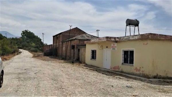 Mungon rruga dhe uji, në Kocul të Vlorës, atje ku koha ka ndaluar