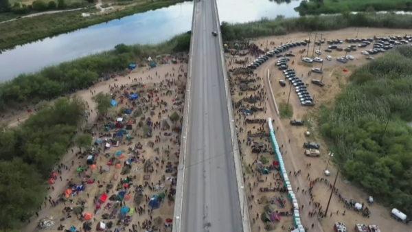 Kriza humanitare në Amerikë, mijëra emigrantë kryesisht nga Haiti bllokohen në kufirin me Meksikën