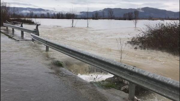 7 muaj nga tërheqja e ujit: Dajçi me frikë përmbytjeje, i lutet Zotit