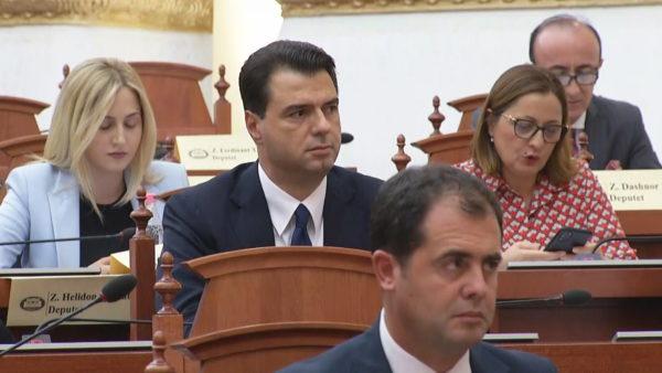 Basha refuzon të flasë pa Ramën në Kuvend, ndërpritet përkohësisht seanca